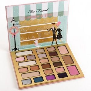 Too Faced Christmas in New York Palette!